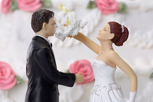 Stock Photo: 1828R-14111 Bride and Groom Cake Topper