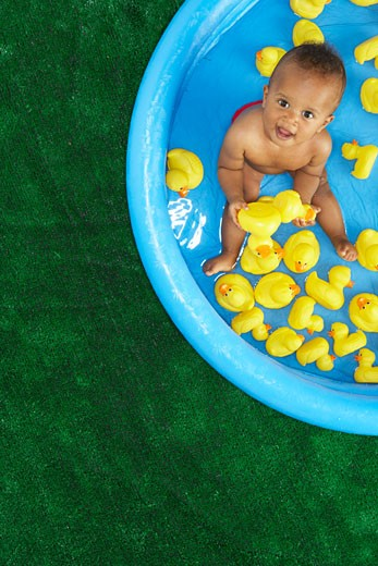 Stock Photo: 1828R-14440 Baby in Pool
