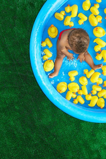 Stock Photo: 1828R-14442 Baby in Pool