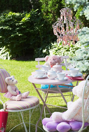 Stock Photo: 1828R-15691 Table Set for Tea Party