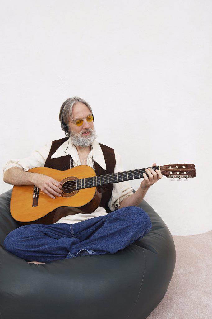 Man Playing Guitar    : Stock Photo