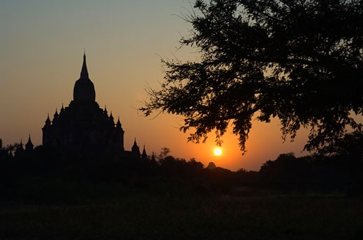 Stock Photo: 1828R-24160 Silhouette of Sulamani, Bagan, Myanmar
