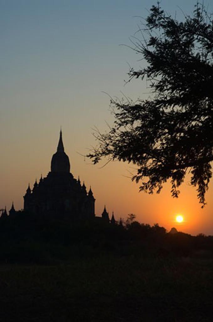 Silhouette of Sulamani, Bagan, Myanmar    : Stock Photo
