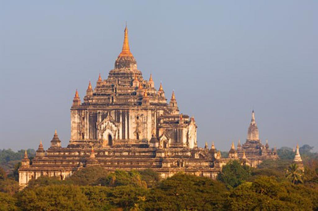 Stock Photo: 1828R-24165 Thatbyinnu Temple, Bagan, Myanmar