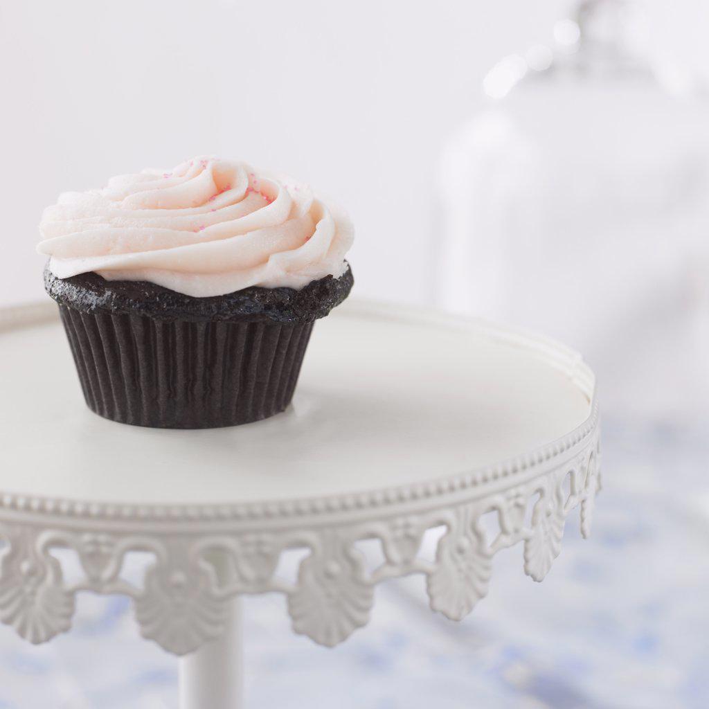 Close-Up of Cupcake    : Stock Photo