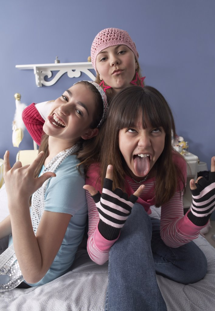 Stock Photo: 1828R-25837 Friends Making Faces