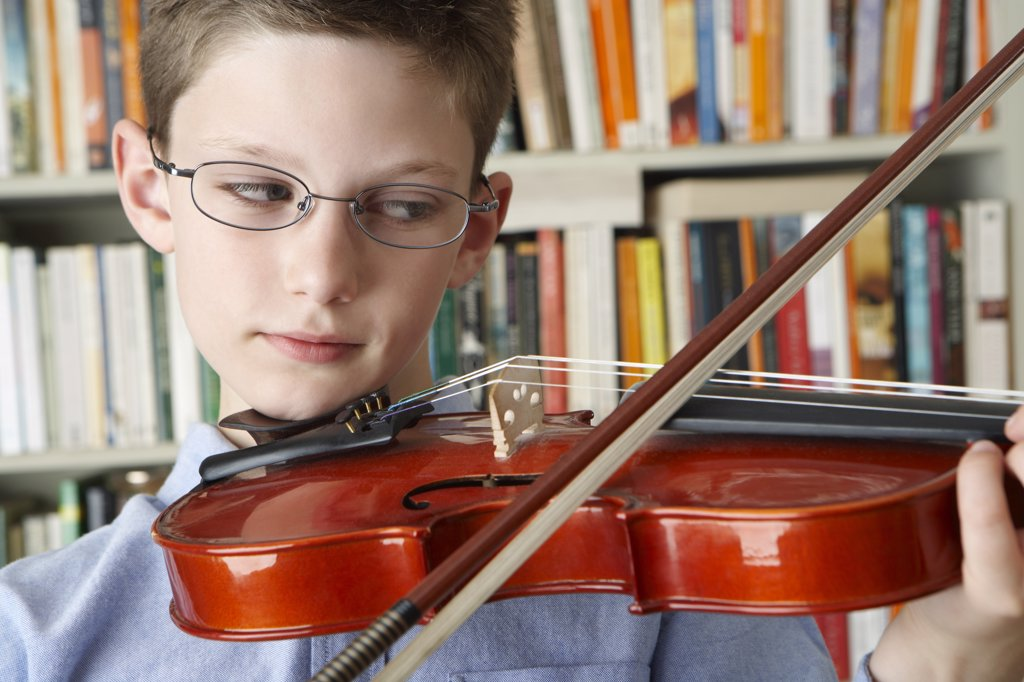 Stock Photo: 1828R-27042 Boy Playing Violin