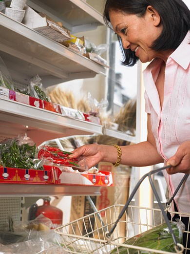 Stock Photo: 1828R-29924 Woman Grocery Shopping