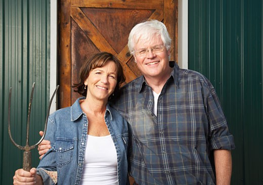 Portrait of Couple by Barn    : Stock Photo