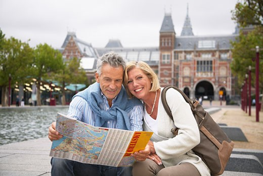 Stock Photo: 1828R-33955 Couple at Rijksmuseum, Amsterdam, Netherlands