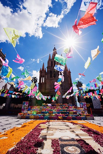 Stock Photo: 1828R-34324 La Parroquia During Day of the Dead, San Miguel de Allende, Mexico
