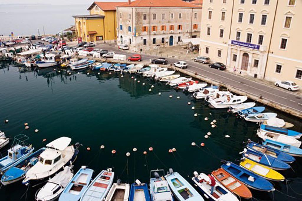 Stock Photo: 1828R-34512 Town of Piran, Slovenia