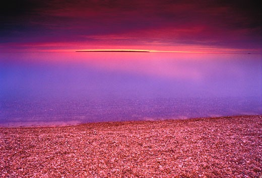 Stock Photo: 1828R-3726 Agawa Bay at Dusk Lake Superior Provincial Park Ontario, Canada