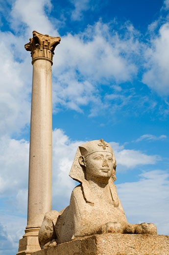 Stock Photo: 1828R-39364 Pompey's Pillar and Sphinx, Alexandria, Egypt