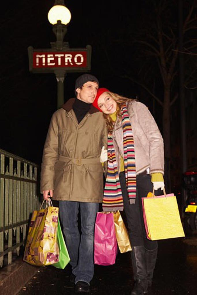 Stock Photo: 1828R-40274 Couple Christmas Shopping
