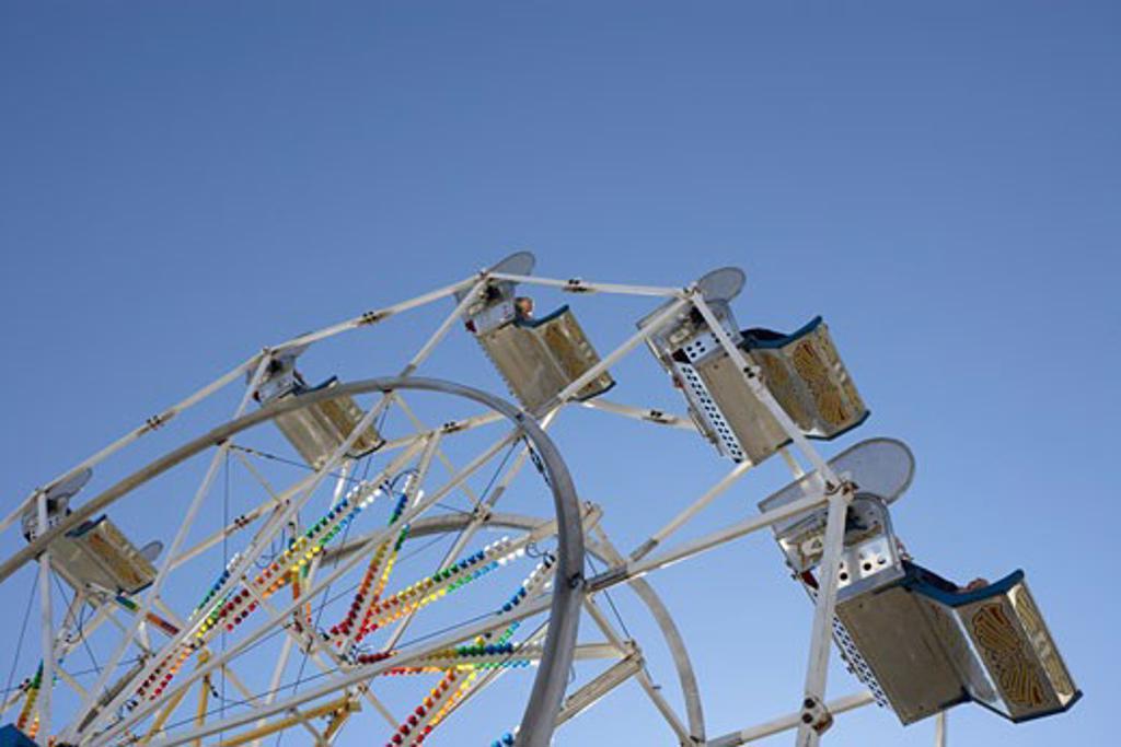 Stock Photo: 1828R-41057 Ferris Wheel at Ancaster County Fair, Ancaster, Ontario, Canada
