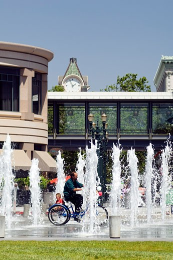 Stock Photo: 1828R-43464 Fountain, San Jose, California, USA