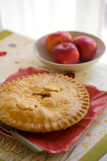 Stock Photo: 1828R-44749 Apple Pie on Plate