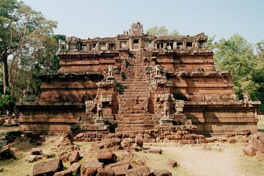 Stock Photo: 1828R-48000 Angkor Wat, Siem Reap, Cambodia