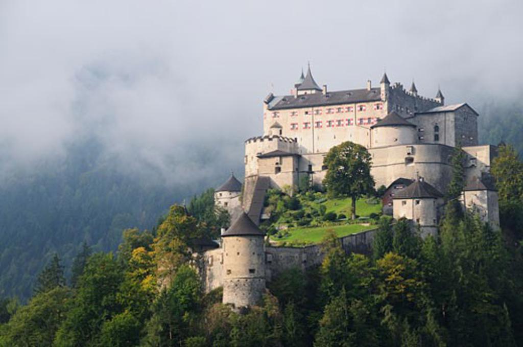 Stock Photo: 1828R-49880 Burg Hohenwerfen, Werfen, Austria
