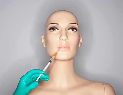 Stock Photo: 1828R-51746 Mannequin Getting Injection