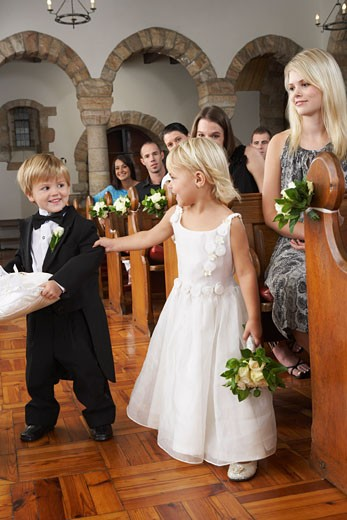 Stock Photo: 1828R-52486 Flower Girl and Ring Bearer