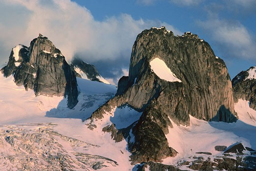 Stock Photo: 1828R-56343 Pigeon And Snowpatch Spires, Bugaboos, British Columbia, Canada