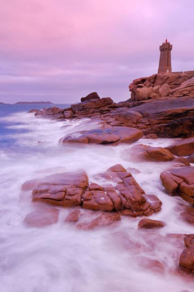 Stock Photo: 1828R-60641 Mean-Ruz Lighthouse, Ploumanach, Cote De Granit Rose, Cotes-d'Armor, Brittany, France