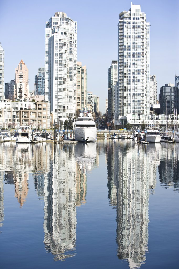 Stock Photo: 1828R-62912 Marina at False Creek, Vancouver, British Columbia, Canada