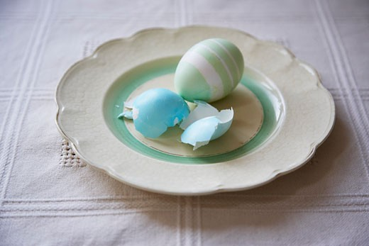 Stock Photo: 1828R-63605 Easter Eggs on Plate