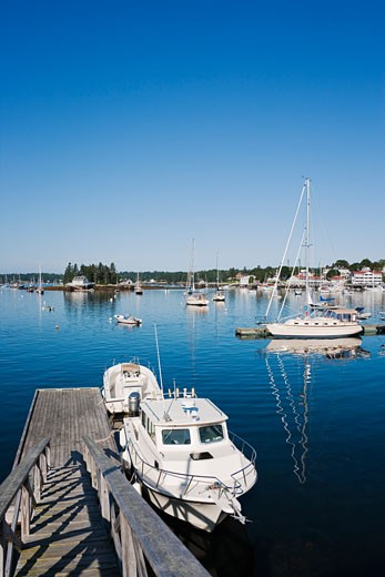 Stock Photo: 1828R-68966 Boothbay Harbor, Maine, USA