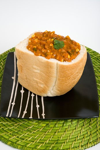 Stock Photo: 1828R-70159 Bunny Chow With Spicy Chakalaka Filling