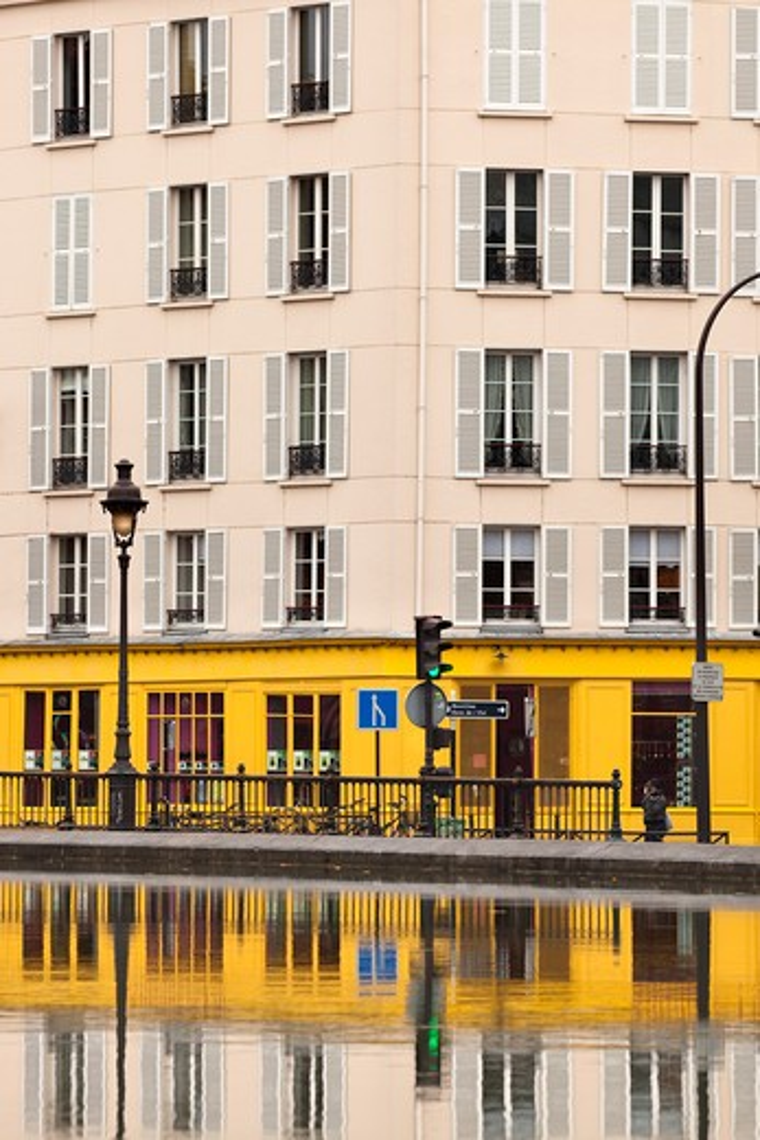 Building at Canal St Martin, Paris, Ile-de-France, France : Stock Photo