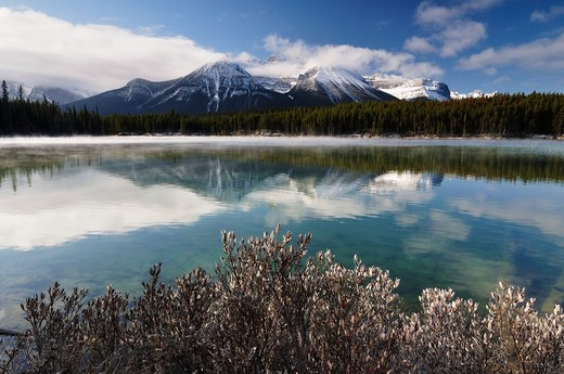 Stock Photo: 1828R-73630 Herbert Lake and Bow Range, Banff National Park, Alberta, Canada