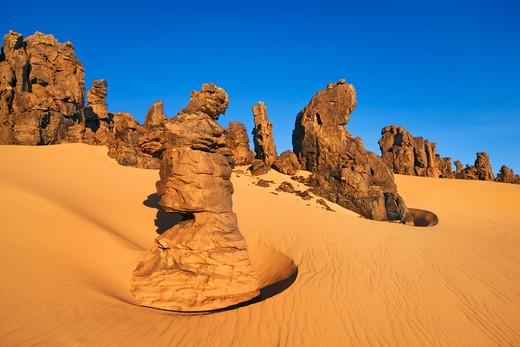 Stock Photo: 1828R-74650 Tahaggart, Tassili du Hoggar, Sahara Desert, Algeria