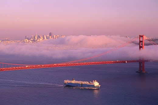 Golden Gate Bridge, San Francisco, California, USA    : Stock Photo