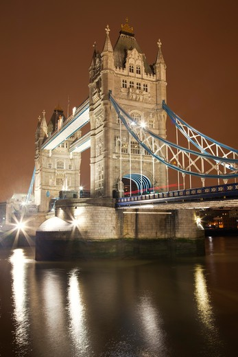 Stock Photo: 1828R-80555 Traffic on Tower Bridge, London, England, United Kingdom