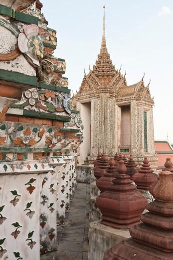 Stock Photo: 1828R-80575 Wat Arun, Thon Buri, Bangkok, Central Thailand, Thailand