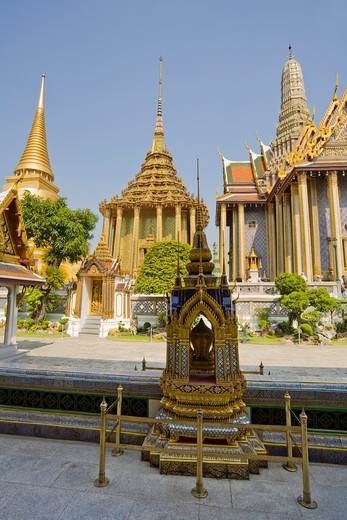 Phra Si Ratana Chedi, Phra Mondop and Royal Pantheon, Wat Phra Kaew, Grand Palace, Bangkok, Thailand : Stock Photo