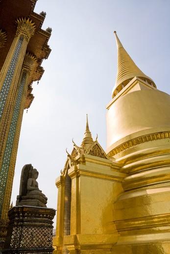 Stock Photo: 1828R-83730 Phra Si Ratana Chedi, Wat Phra Kaew, Grand Palace, Bangkok, Thailand