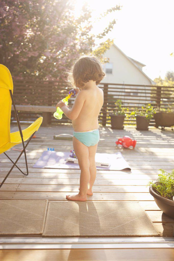 Girl Blowing Bubbles, Portland, Multnomah County, Oregon, USA : Stock Photo