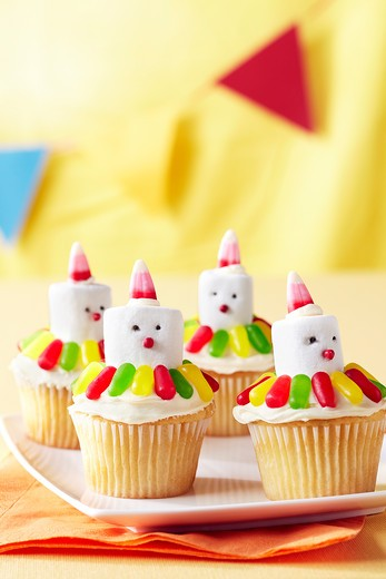 Stock Photo: 1828R-85872 Clown Cupcakes