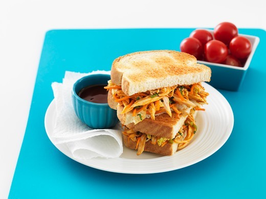 Stock Photo: 1828R-88161 Chicken Sandwich and Bowl of Tomatoes