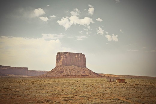Stock Photo: 1828R-88431 Mitchell Butte, Monument Valley, Utah, USA