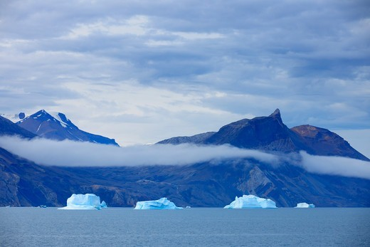 Stock Photo: 1828R-88969 Icebergs, Kong Oscar Fjord, Greenland