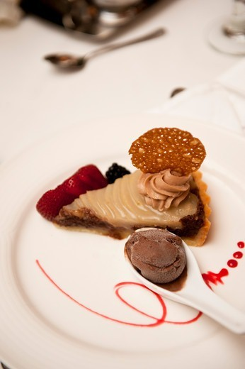 Stock Photo: 1828R-89432 Caramel Pie at Wedding, Toronto, Ontario, Canada