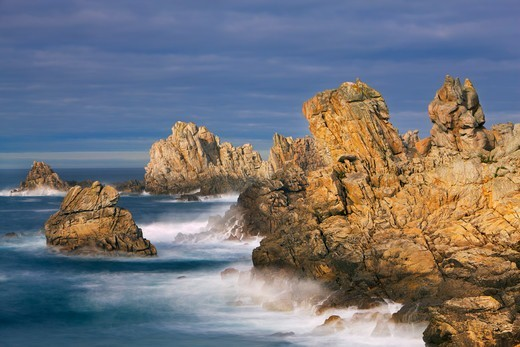 Rocky Coastline at Pointe de Creac'h, Ile d'Ouessant, Finistere, Brittany, France : Stock Photo