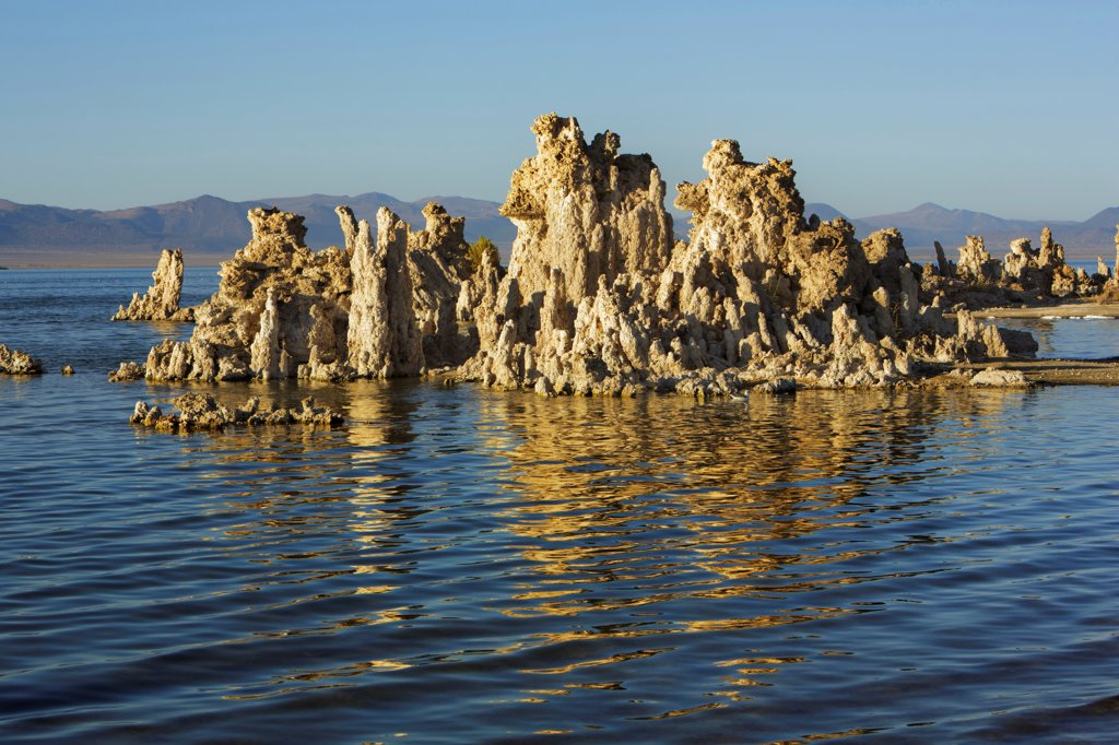 Stock Photo: 1828R-94791 Tufa Formations, Mono Lake, Mono Lake Tufa State Natural Reserve, California, USA