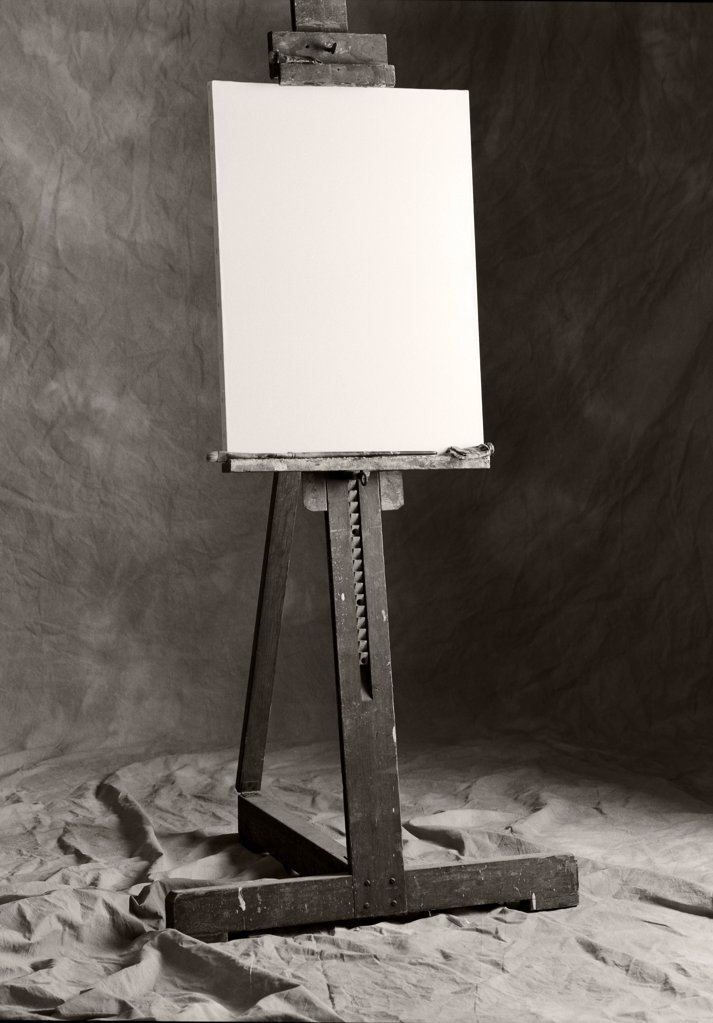 Stock Photo: 1838-13751 Blank Canvas on Easel