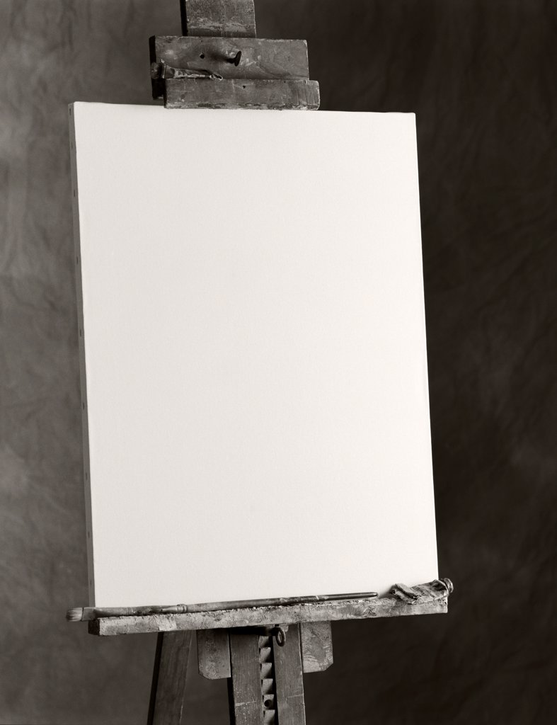 Blank Canvas on Easel, Close-Up : Stock Photo